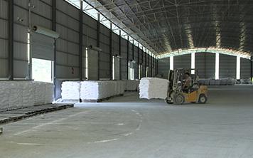 玮石矿业生产设备场地